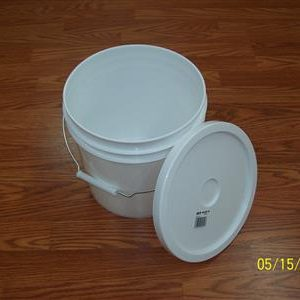 2 gal Bucket with Lid